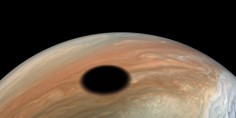 Watch a 360-degree view of Jupiter during an Io eclipse