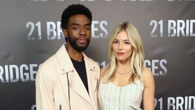 Photo of Chadwick Bosman cut wages to raise Sienna Miller's salary
