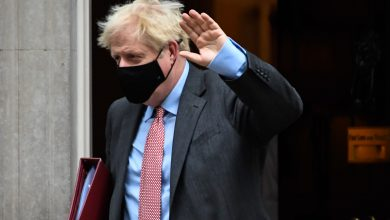 Photo of British Prime Minister Boris Johnson urges the British to follow the rules to avoid lockdown