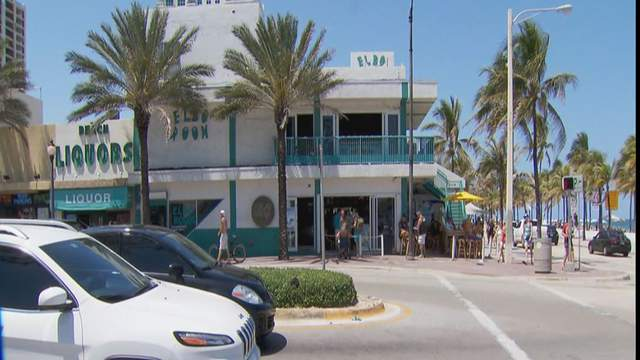 Pub owners, patrons are happy to reopen Phase 3, city mayors are concerned