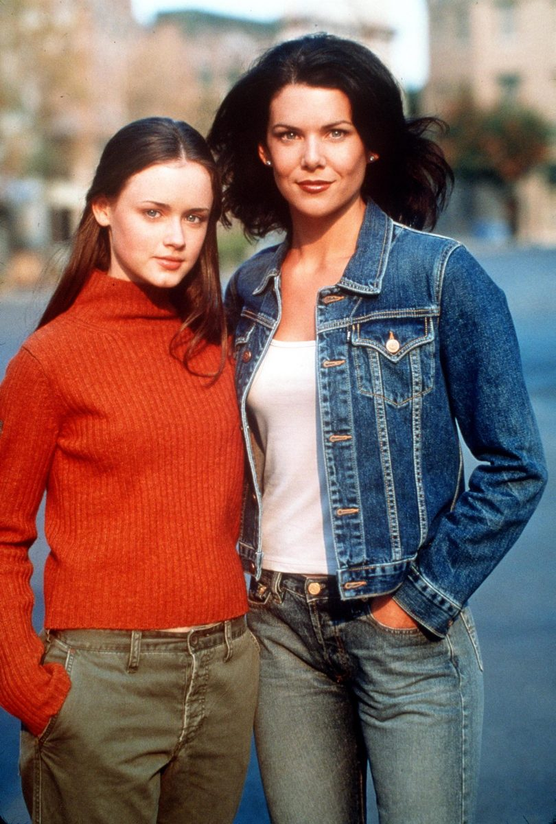 Alexis Bledel and Lauren Graham as Rory and Lorelai Gilmore