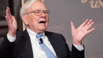 Photo of Pope Francis echoed Warren Buffett in a letter blaming free markets for increasing inequality