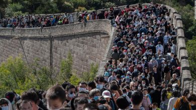 Photo of Which pandemic?  Crowds sweep across the Great Wall of China during the holiday week