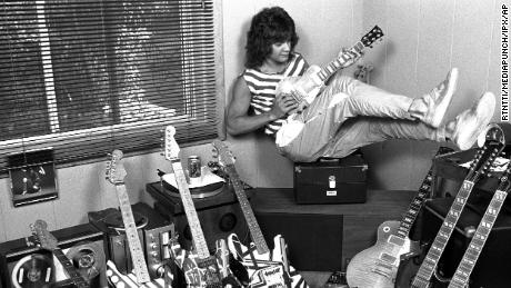 Eddie Van Hallen in his Los Angeles home in 1982.