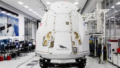 Photo of SpaceX's ships upgraded the spacecraft to ship to Florida for its first dragon-shaped orbital encounter