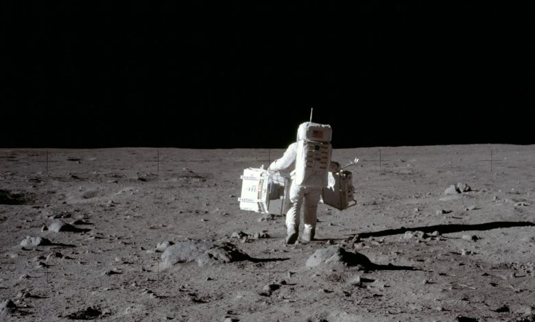 """Eight countries sign the """"Artemis Accords"""" led by the United States to explore the moon"""