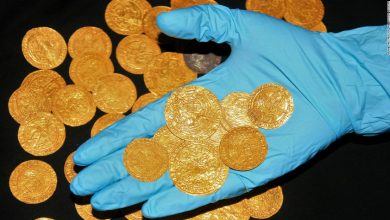 Photo of Gold coins, medieval treasures unearthed in the yards of British homes during lockdown