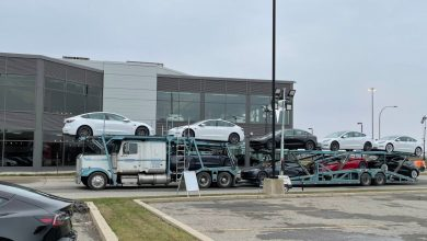 Photo of Tesla is offering one year of free super shipping to spur deliveries in a record quarter bid
