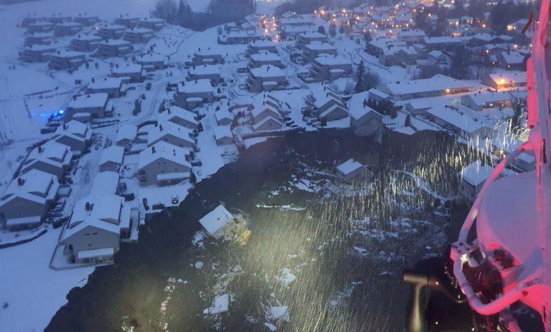 A landslide in Norway bury homes in mud;  10 people are still missing