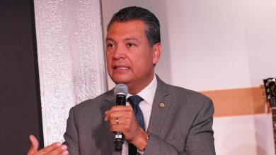 Photo of Alex Padilla to replace Kamala Harris, becoming California's first Latin Senator