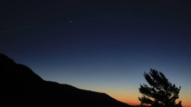 "Photo of How to photograph the winter solstice ""the great coupling"" between Jupiter and Saturn tonight"