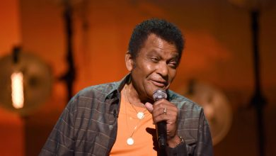 Photo of Leading country music star Charlie Pride has passed away at the age of 86