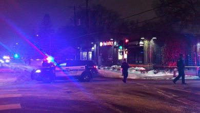 Photo of Minneapolis police shoot a man during a traffic stop