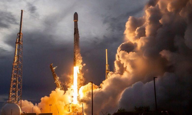 SpaceX Falcon 9 raises the new SiriusXM satellite into orbit