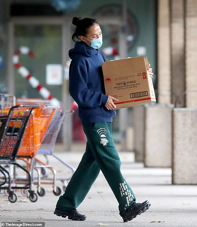 Safety first: Wang was wearing a surgical mask according to state mandates due to the spread of the coronavirus pandemic