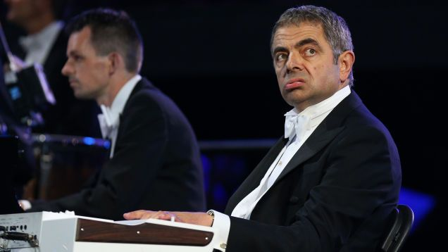 "Rowan Atkinson fails to read the room and shares his thoughts on ""de-culture"""