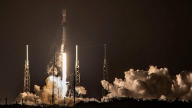 Photo of SpaceX lands its first Falcon 9 rocket in 2021 as if it were nothing