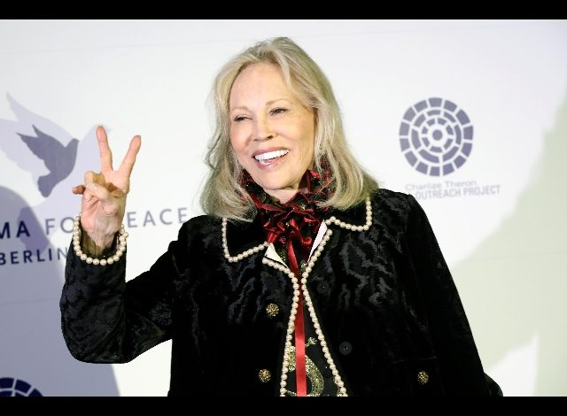 """The 80th anniversary of the 1970s icon """"Fay Dunaway"""""""