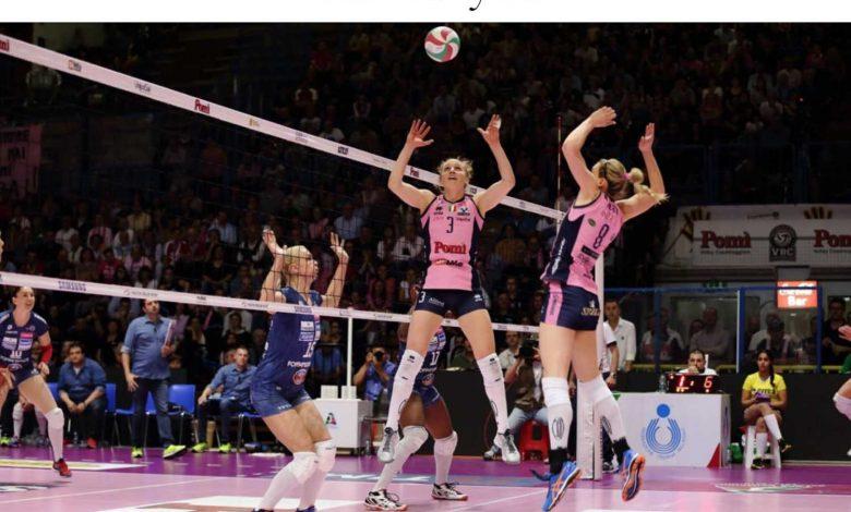 "United States: Carly Lloyd writes a message ... ""Dear Volleyball ..."""