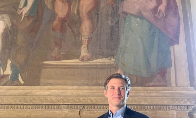 Alec Ross: 'Social media is delayed with Trump'