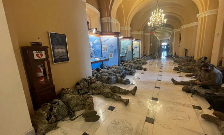 National Guard soldiers sleep in the US Congress |  Blinks