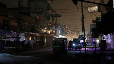 Photo of Power cuts plunge Pakistan into darkness