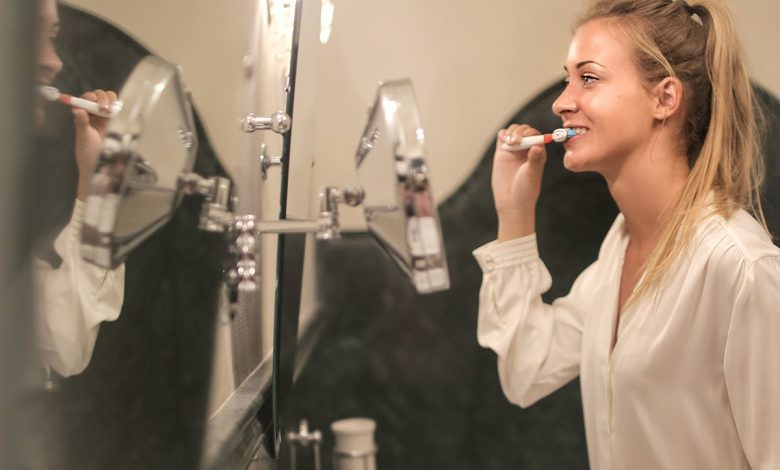 What is the right time of the day to brush your teeth