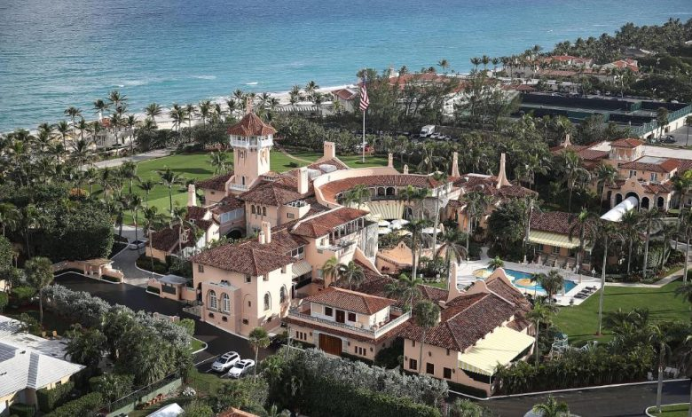 With Trump not in attendance, Mar-a-Lago guests leave to celebrate with no masks with Rudy Giuliani and Vanilla Ice
