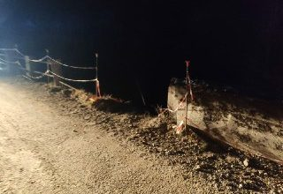 Photo of He loses control of his electric bike and dies from the bridge – Radio Più