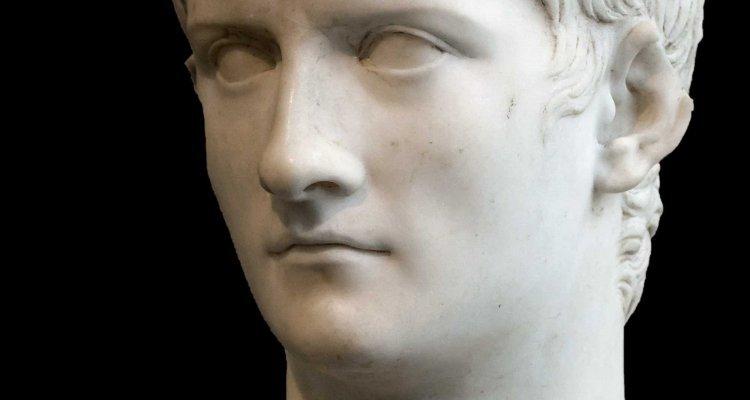 Caligula LXXV finally bought the console - Nerd4.life