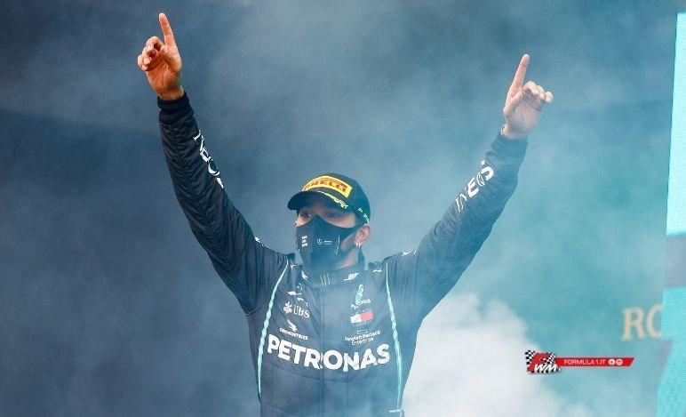 Hamilton con Mercedes per un