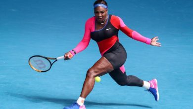 Photo of Serena Williams honors Flo Joe in romp at the Australian Open