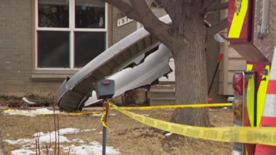 Photo of USA, engine failure on takeoff, aircraft losing parts of homes in Denver.  Video