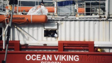 Photo of Want to come to our house: Ocean Viking is asking to come down