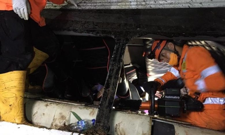 Indonesia, bus overturns and falls in a ravine: 27 students killed