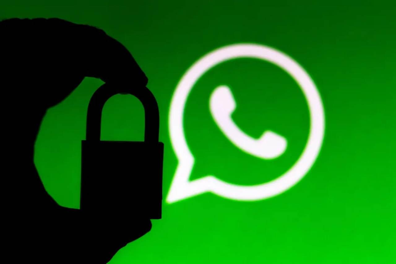WhatsApp hide writes