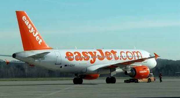 """""""I don't want to sit next to a woman,"""" passenger forced to change seats: Now EasyJet will have to make up"""