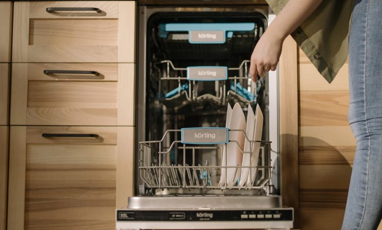 If the tablet does not dissolve in the dishwasher, then this explains the reason