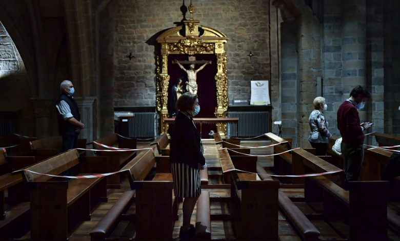 Vox wants to save the crosses from the Christian phobia that is progressing in Spain