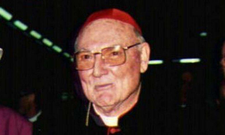 Il cardinale Cassidy in una foto d'archivio