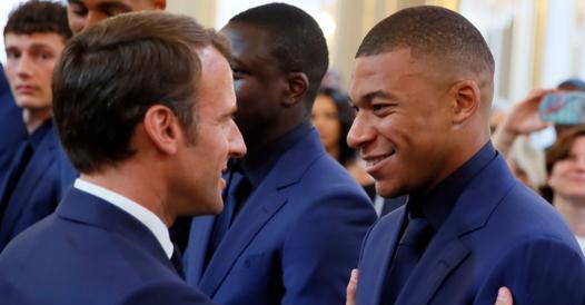 "Macron & Johnson v. Superlega: ""The Wrong Project"" - Corriere.it"