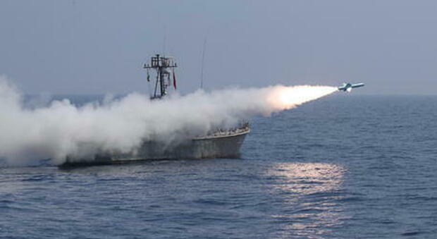 A missile against an Iranian ship, suspected of an Israeli attack