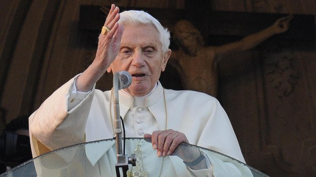 """Benedict XVI is now 94 years old, the secret of his resignation, but his certainty: """"The Pope is one."""""""