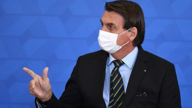 Photo of Bolsonaro threatens to use the military against anti-COVID restrictions