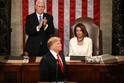 File photo: Nancy Pelosi on February 5, 2019 with Vice President Mike Pence and President Donald Trump during his State of the Union address for the Republican President in the House of Representatives on Capitol Hill (Reuters / Lea Meles)
