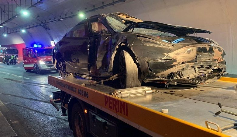 It collided with the tunnel wall, wrecking a Tesla car and two hospital people