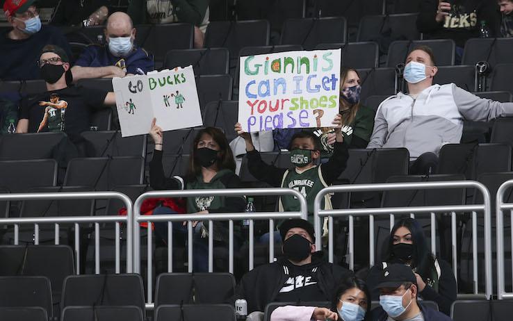 Bucks, vaccino per tutti alla partita coi Nets