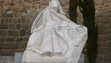 Photo of Pope: Teresa Avila is an example of the role of women in church and society