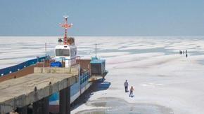 Two salt lakes 11,000 km apart