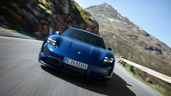 Elettriche - Porsche Taycan in trouble: NHTSA opens investigation